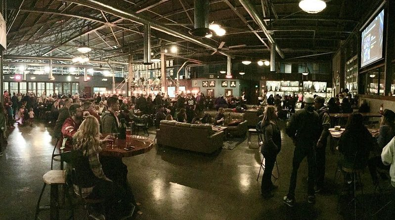 Apple Cup Viewing Party was a full house at 7 Seas Brewery